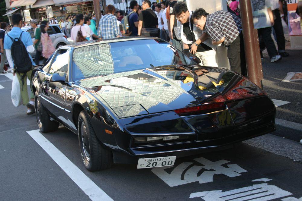 El Coche Fantástico en Akihabara