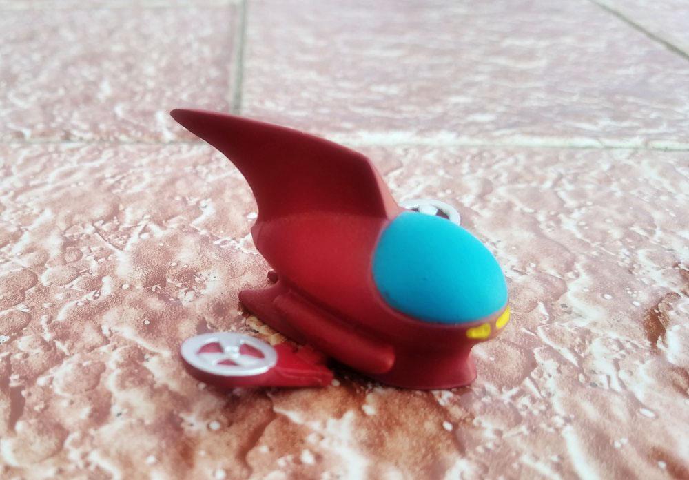 Detalle del planeador de Koji Kabuto con las alas desplegadas