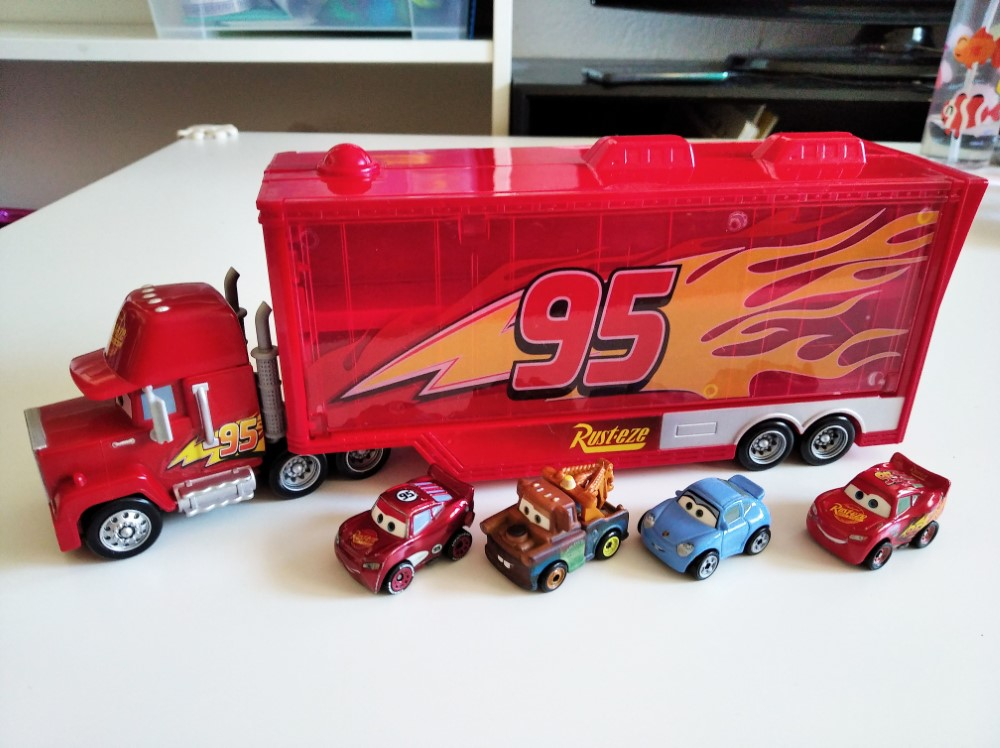 Mack y Metal Mini Racers de Cars-Mattel