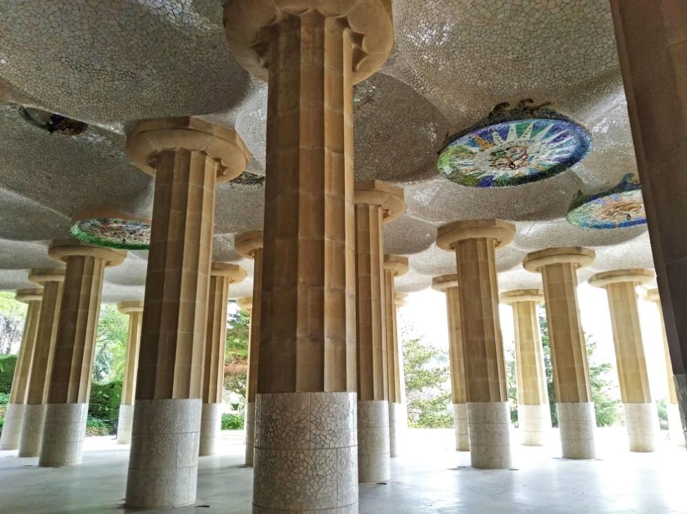 グエル公園のSala Hipóstila (列柱ホール)