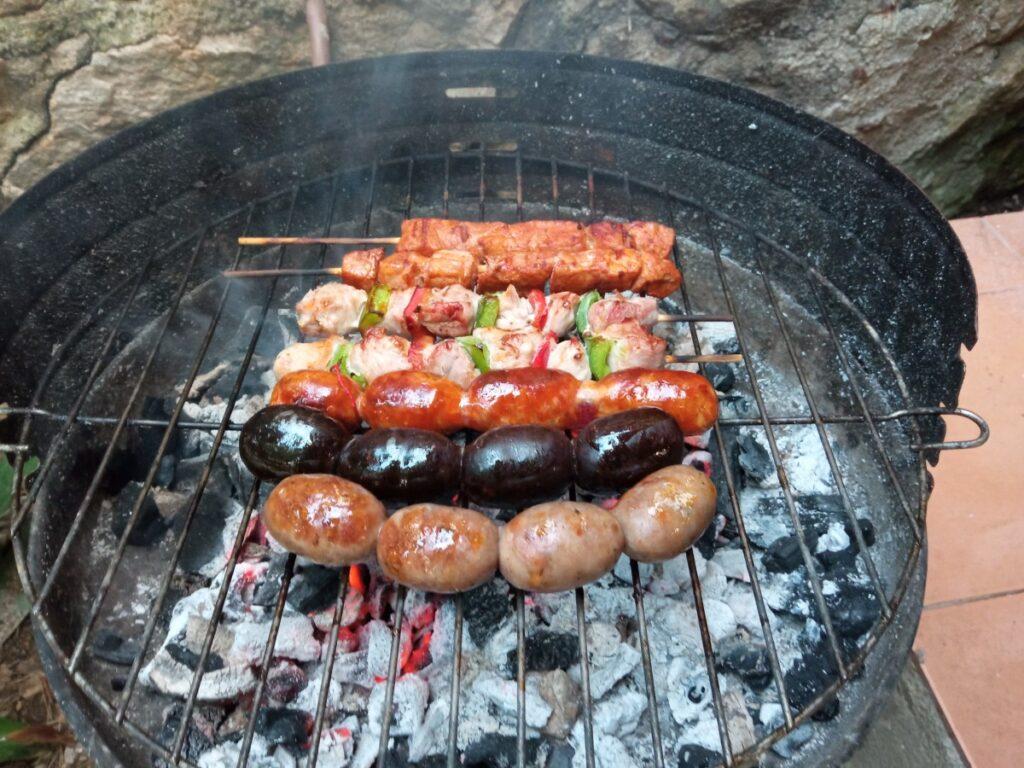 Barbacoa de carne en Camping Caledonia